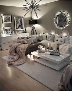 Cozy Neutral Living Room Ideas - Earthy Gray Living Rooms To Copy Cozy Grey Living Room Inspiration – LOVE all these gray and white living rooms and dark gray living room ideas! I really like a neutral living room with pops of … Cozy Grey Living Room, My Living Room, Cozy Room, Grey Living Room With Color, Neutral Living Rooms, Living Area, Living Room Goals, Casa Disney, Decoration Gris