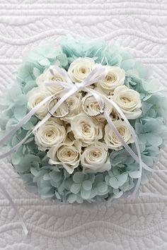Dozen Rose Ring Pillow Something Blue ダーズンローズのリングピロー サムシングブルーhttp://www.fleuriste-glycine.jp/