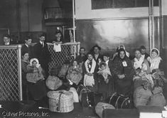 Ellis Island and immigration history Immigration Policy, Ellis Island, Interesting History, New Leaf, Vintage Photographs, Social Studies, Genealogy, Lesson Plans, Documentaries