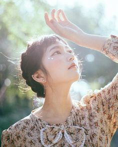 """좋아요 743개, 댓글 7개 - Instagram의 김혜정(@edomrode)님: """"당신의 그 투명한 눈 속의 빛을  9월 유료프로필 촬영  Hair/make up @seo.y_k96  + 10월 유료 프로필 문의를 받습니다 카톡 edomrode 나…"""""""