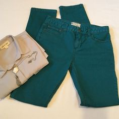 Free People Teal colored Skinny Jeans The color is beautiful! Great Free People Skinny Jeans! Made of 78% cotton, 20% polyester, 2% spandex. They have a pretty good amount of stretch in them. The front rise is 9 inches, the inseam is 31 inches, and leg opening measured flat is 6 inches. Size 26, TTS. They are in Excellent Condition! Free People Jeans Skinny