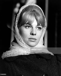 English actress Julie Christie as Lara Antipova in 'Doctor Zhivago', directed by David Lean, Get premium, high resolution news photos at Getty Images English Actresses, British Actresses, Actors & Actresses, Julie Christie, Divas, Dr Zhivago, Doctor Zhivago, David Lean, Alec Guinness