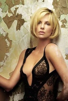 Charlize Theron Prefers to Pic. is listed (or ranked) 4 on the list The 40 Hottest Charlize Theron Photos of All Time Beautiful Celebrities, Beautiful Actresses, Gorgeous Women, Beauté Blonde, Charlize Theron Photos, World Most Beautiful Woman, Actrices Hollywood, Belle Photo, Pretty Woman