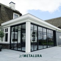 Extension Designs, House Extension Design, Porch Veranda, Steel Art, House Extensions, Flat Roof, Outdoor Rooms, Halle, Home Renovation