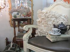 French chair display... prefection!