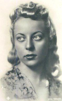 Carmela Terms , said Lina ( Agrigento , January 11, 1918 - Turin , April 21 2004 ), was an  Italian singer .