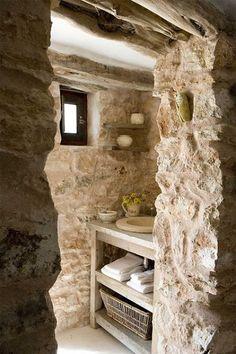 Simple Stone Bathroom Design Ideas – Decorating Ideas - Home Decor Ideas and Tips Slate Bathroom, Bathroom Tile Designs, Rustic Bathrooms, Diy Bathroom Decor, Bathroom Ideas, Modern Bathroom, Bathroom Remodeling, Remodeling Ideas, Limestone Countertops