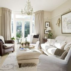house tour - 25 Beautiful Homes Living room French Living Rooms, Elegant Living Room, Home Living Room, Living Room Decor, Living Area, Bedroom Furniture Sets, Shabby Chic Furniture, Furniture Stores, Glass Furniture