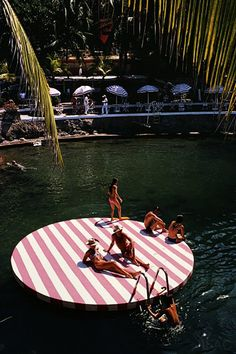 Bathers at La Concha Beach Club, Acapulco, Mexico, February (Photo by Slim Aarons/Hulton Archive/Getty Images)Image provided by Getty Images. Slim Aarons, Rencontres Photo Arles, Wanderlust, Beach Club, Beach Trip, Beach Travel, Summer Vibes, Travel Inspiration, Style Inspiration