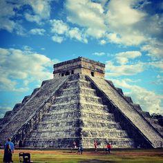 Zona Arqueológica de Chichén Itzá, una de las 7 Maravillas del Mundo Moderno.