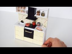 Kendin Yap Mini Mutfak | DIY | Barbie Mutfak Yapımı - YouTube Miniature Kitchen, Miniature Dolls, Miniature Tutorials, Geometric Wallpaper Iphone, Iphone Wallpaper, Diy Dollhouse, Dollhouse Miniatures, Minis, Kitchen Units