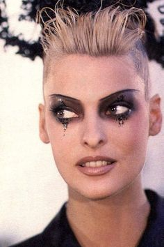 Linda Evangelista backstage @ John Galliano F/W 1995