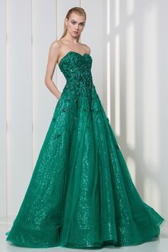 df9594ff9a5a Emerald sweetheart strapless dress in sequined embroidered tulle and lace.  Beautiful Gowns, Beautiful Clothes