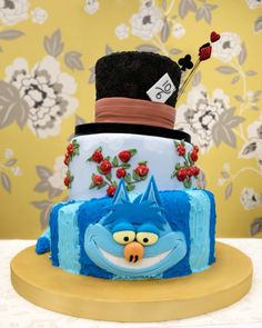 Alice in Wonderland wedding cake, love it for the engagement party,,love love Mad Hatter Cake, Mad Hatter Party, Mad Hatter Tea, Mad Hatters, Alice In Wonderland Wedding Cake, Happy Unbirthday, Alice Tea Party, Tea Party Birthday, Birthday Cake