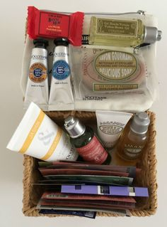 Suze likes, loves, finds and dreams: Fabulous Freebie Weekend Giveaway: L'Occitane Basket