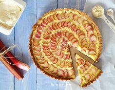 Rhubarb Almonds Tart with spelt flour
