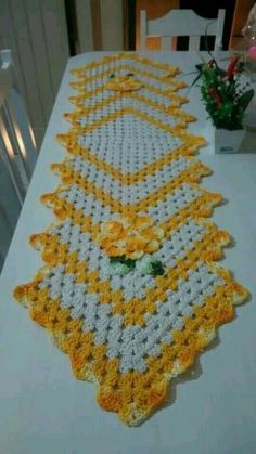 Crochet kitchen table toppers crochet flowers free crochet rakhi crochet projects pasta crochet patterns basket crochet house do crafts embroidery designs crochet doilies ornaments centerpieces home decoration crocheted flowers This Pin was discovered by Crochet Table Runner Pattern, Crochet Tablecloth, Crochet Doilies, Crochet Flowers, Crotchet Patterns, Doily Patterns, Knitting Patterns, Crochet Kitchen, Crochet Home