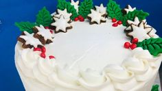 Create a beautiful Halle Berry cake using star cookies as an accent. Get all the details by clicking the link.
