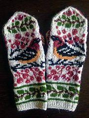 Ravelry: Birds and Berries pattern by Natalia Moreva