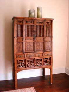 »☆Elysian-Interiors ♕Simply divine #Interiordesign ~ Chinese & Asian interiors ~ Chinese antique kitchen cabinet.