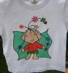 Camiseta infantil duende. 12€. Si quieres cambiar algún detalle o añadir detalles nuevos, escríbenos a nohay2iguales@nohay2iguales.com y lo vemos.