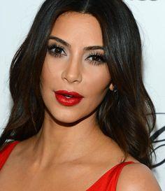 Kim Kardashian Via Pausa para Feminices