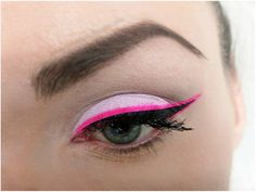 13 Crazy Cool Eyeliner Styles For The Adventurous Makeup Experimenters - Minq.com