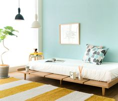 トーンの高い配色でふんわりと柔らかい印象のベッドシーン|Re:CENO INTERIOR STYLING BOOK