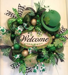 St Patricks Day Front Porch Decorations St Patricks Day Wreath You are in the right place about my ideas bullet journal Here we offer … Wreath Crafts, Diy Wreath, Wreath Ideas, Holiday Wreaths, Holiday Crafts, Saint Patrick's Day, Rainbow Balloon Arch, St. Patricks Day, Diy St Patricks Day Wreath