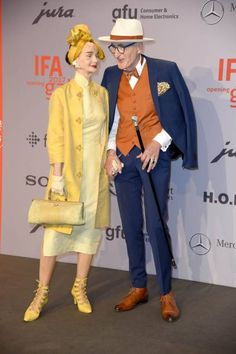 Britt Kanja and Guenther Krabbenhoeft attend the IFA 2017 opening gala on August. - Britt Kanja and Guenther Krabbenhoeft attend the IFA 2017 opening gala on August 31 2017 in Berlin - Stylish Older Women, Older Couples, Couple Style, Stylish Couple, Advanced Style, Ageless Beauty, Fashion Couple, Couple Outfits, Mode Vintage