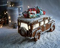 Gingerbread Car with presents on top - gotta love this one! Inspiration for you to make one yourself! Gingerbread Car with presents on top - gotta love this one! Inspiration for you to make one yourself! Gingerbread House Designs, Gingerbread Village, Christmas Gingerbread House, Christmas Sweets, Christmas Cooking, Merry Little Christmas, Noel Christmas, Christmas Goodies, Gingerbread Cookies