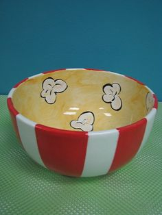 - Paint this great bowl for a movie night. Would love to do this for my popcorn mom Popcorn bowl! – Paint this fantastic bowl for a movie night. Pottery Bowls, Ceramic Bowls, Ceramic Pottery, Pottery Art, Painted Pottery, Pottery Gifts, Pottery Painting Designs, Pottery Designs, Paint Designs