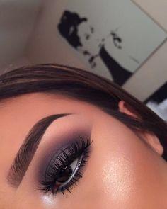 grey eyeshadow, cut crease - new_make_up_pintennium Cute Makeup, Glam Makeup, Pretty Makeup, Skin Makeup, Makeup Inspo, Makeup Inspiration, Beauty Makeup, Makeup Art, Awesome Makeup