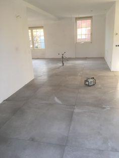 Buy concrete look and cement look tiles tile house Montfoort Concrete Look Tile, Concrete Floors, Living Room Flooring, Kitchen Flooring, Marazzi Tile, Room Tiles, Home Trends, Tile Floor, Wall Colors