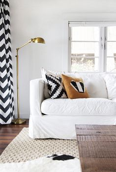 I love black & white in any part of the house. This looks great