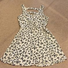 Floral sun dress White with tiny black flowers button front caged back elastic waisted easy stretch flowing sundress Forever 21 Dresses