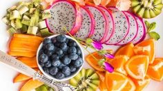 Eat These 7 Calcium-Rich Fruits To Ensure Healthy Bones And Teeth Calcium Rich Fruits, Diet Recipes, Healthy Recipes, Healthy Food, Juicy Fruit, Dash Diet, Keeping Healthy, Healthy Teeth, Proper Nutrition