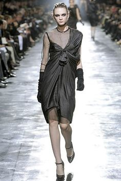 See the complete Lanvin Fall 2008 Ready-to-Wear collection.