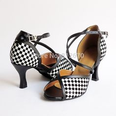 29.60$  Buy now - http://aliy7g.shopchina.info/go.php?t=1917156819 - New arrival ladies latin dance shoes in black-white,Blue,Red,Gold 4 colors Square heel Women dance shoes XC-6366 29.60$ #buyonlinewebsite