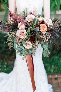 Autumn bridal bouquet | Wedding & Party Ideas | 100 Layer Cake Bridal Bouquet Fall, Fall Bouquets, Fall Wedding Bouquets, Fall Wedding Flowers, Fall Wedding Colors, Bridal Flowers, Flower Bouquet Wedding, Floral Wedding, Rustic Bridal Bouquets