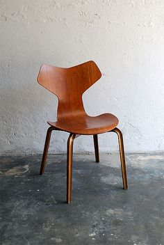 Arne Jacobsen; #3130 Plywood 'Grand Prix' Stacking Chair, 1957.
