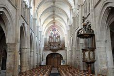 de l'église Notre-Dame à Auxonne  XVIIe siècle sur le grand buffet de l'orgue de tribune