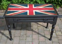 How To Paint A Union Jack Using Annie Sloan | Dovetails Vintage