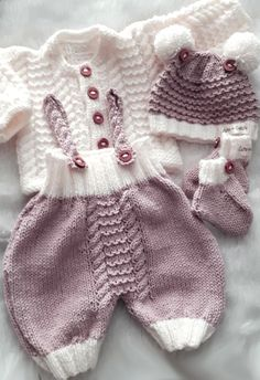 baby gloves with thumb knitting instructions baby chucks … Baby Knitting Patterns, Baby Cardigan Knitting Pattern, Baby Patterns, Free Knitting, Beanie Pattern, Baby Chucks, Baby Pullover, Knitted Baby Clothes, Baby Sweaters