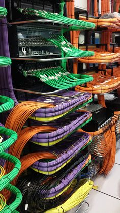 Modern data center cable management with best practice and standard labeling is one of the mammoth task for server room rack cabling network installation. Computer Technology, Computer Science, Computer Humor, Data Center Design, Structured Cabling, Structured Wiring, Server Rack, Network Engineer, Network Cable