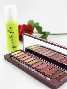 Urban Decay - Naked Cherry Eyeshadow Palette: Eyeshadow, Double Ended Brush - Sets & Coffrets Makeup Eyeshadow, Eyeshadow Palette, Smudger, Naked Palette, Glamorous Makeup, Brush Sets, Trendy Colors, Eye Shadow, Urban Decay