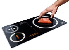 Electrolux Nutrima – Kitchen Scale and Toxic Indicator by Janne Palovuori - Nurtima is a kitchen scale that calculates the nutritional values, possible toxins and freshness of your food and ingredients. | Yanko Design