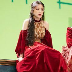 South Korean Girls, Korean Girl Groups, My Girl, Cool Girl, Soyeon, Korean People, Kpop Guys, Stylish Girl Images, Foto Jungkook