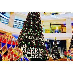 クリスマスっぽくなってきたねー -10度なんてさすがふるさとの冬...寒すぎで引きこもってぜんぜん出たくはない..._(:з)_ btw I hate GFW... #ふるさと #大連 #中国 #クリスマス #クリスマスツリー  #ショッピングモール  #カメラ女子 #お写んぽ  #カメラ好きな人と繋がりたい  #写真好きな人と繋がりたい  #写真撮ってる人と繋がりたい  #ファインダー越しの私の世界  #instagram #instadaily #instagramer  #iphone7 #iphoneography #iphoneographytr
