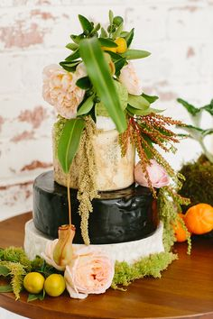 Woodland inspired cheese wheel wedding cake alternative | Fifteen Photography